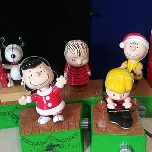 Dancing to Good King Wencesias Peanuts & the Gang
